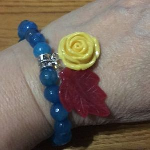 Blue agate with jade leaf and acrylic flower